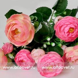 букет камелий с добавкой травка цвета розовый 5
