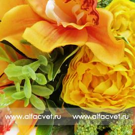 букет пионов с орхидеями цвета оранжевый с белым 16