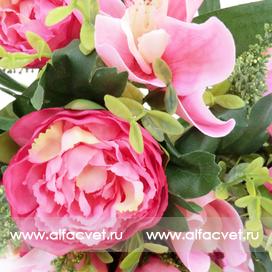 букет пионов с орхидеями цвета темно-розовый с розовым 45