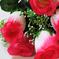искусственные цветы розы цвета малиновый с белым 37