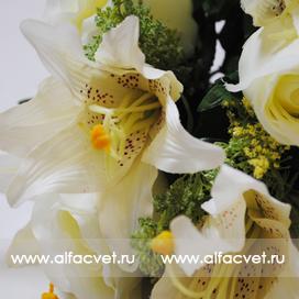 розы и лилии цвета белый 6