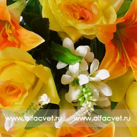 роза-лилия цвета желтый с оранжевым 17
