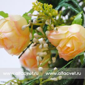 роза маленькая цвета кремовый 24