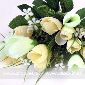 букет тюльпанов с добавкой травка-ромашка цвета белый 6